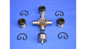 CROISILLON DE TRANSMISSION AVANT (65mm)  pour  MITSUBISHI  PAJERO  V24 - 2.5TD 1991-4/2004 court